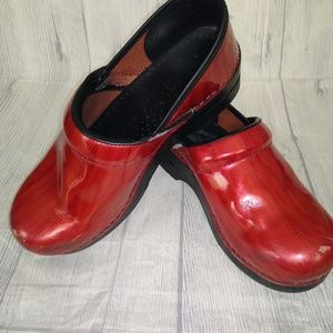 Dansko Red Professional shoes size 39